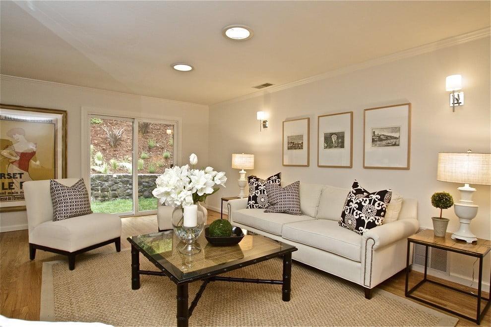 картинки бра над диваном в гостиной процедура